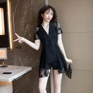 裙子連身裙網紗裙S-XL蕾絲拼接西裝女神範鏤空網紗心機赫本風小黑裙T423A-875.胖胖唯依