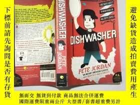 二手書博民逛書店英文原版Dishwasher:罕見One Mans Quest to Wash Dishes in All Fif