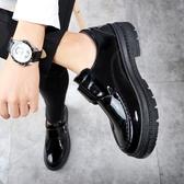 韓版潮流皮鞋男士百搭英倫學生潮秋季青年休閒鞋亮面厚底松糕男鞋AC41【棉花糖伊人】