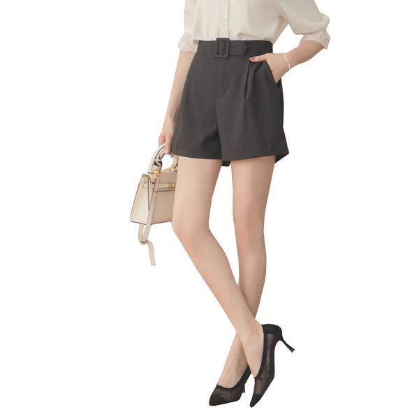 東京著衣【YOCO】YOCO-簡約質感打褶方扣條紋後鬆緊短褲-S.M.L(180182)