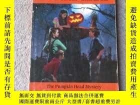 二手書博民逛書店The罕見Pumpkin Head Mystery (The B