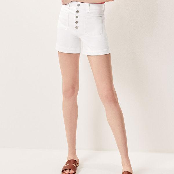 Gap女裝 Jolin同款休閒高腰白色水洗牛仔短褲 460161-鹽白牛仔