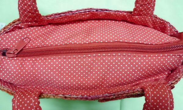 【震撼精品百貨】Hello Kitty 凱蒂貓~籐編籃迷你手提袋『紅條紋點點蝴蝶結』