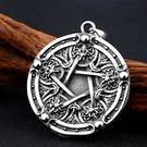 《QBOX 》FASHION 飾品【CBP8-347】精緻歐美風神秘古代五芒星符號鑄造鈦鋼墬子項鍊