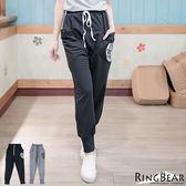 哈倫褲--獨特有型腰頭抽繩美式印圖造型大口袋哈倫褲版型休閒長褲(黑.灰XL-5L)-P120眼圈熊中大尺碼