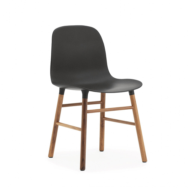 丹麥 Normann Copenhagen Form Chair 俐落風格系列 單椅 木質椅腳(黑色椅身 / 胡桃木椅腳)
