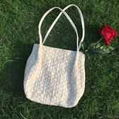 蕾絲大容量水桶手提草編編織女包包單肩購物袋【聚可愛】