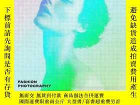 二手書博民逛書店Fashion罕見Photography: The Story