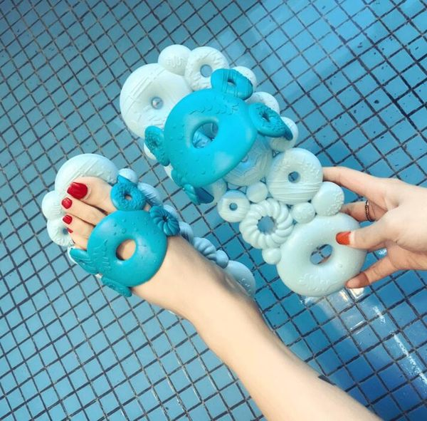 室防滑漏水拖鞋女夏季情侶居家室內洗澡速乾涼拖軟底鏤空洞洞拖「時尚彩虹屋」