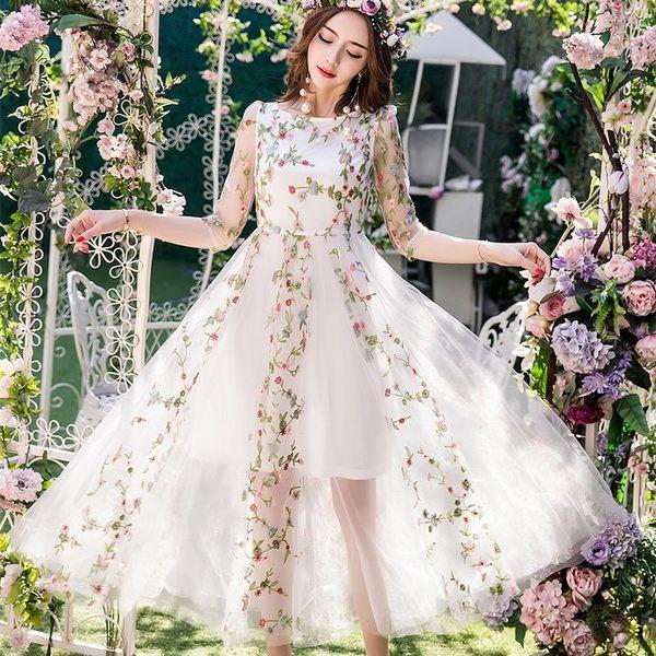 中大尺碼*彩色刺繡網紗拼接顯瘦蕾絲五分袖透視長裙擺洋裝~美之札