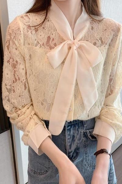 雪紡襯衫 女上衣 設計感小眾春款襯衫蝴蝶結系帶淑女氣質蕾絲勾花鏤空蕾絲衫上衣 依Baby