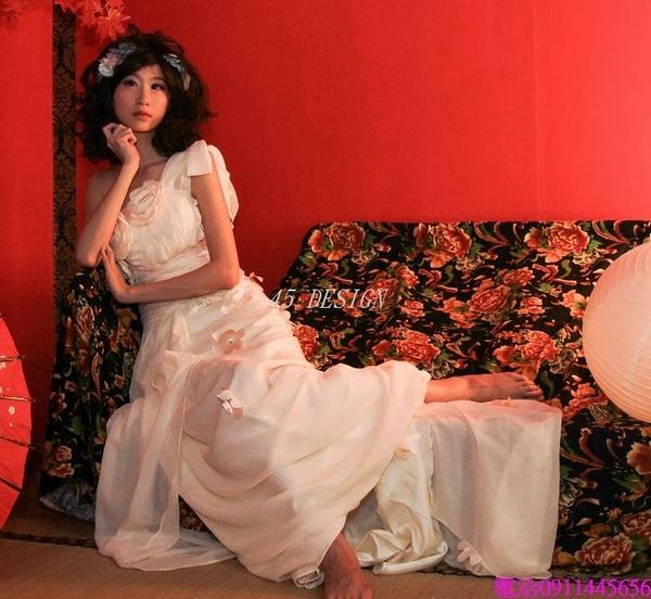 (45 Design創意禮服館) 現貨  晚禮服長款 婚紗禮服 時尚結婚敬酒服 新娘伴娘單肩斜肩修身