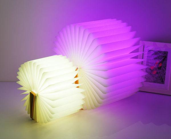 【24H出貨】USB五彩變色書本燈 變色折疊書本燈 LED小夜燈