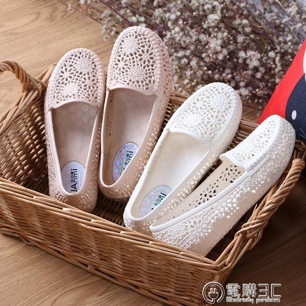 低跟涼鞋夏季舒適白色塑料涼鞋女護士鞋媽媽鞋防滑平底透氣雨鞋鏤空洞洞鞋 電購3C