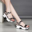 厚底涼鞋新款韓版女士厚底鬆糕涼鞋學生女涼鞋新款坡跟防滑魔術貼沙灘鞋女 快速出貨