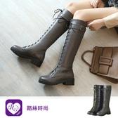 【快速出貨】韓系簡約大方麂皮綁帶一字方扣圓頭方跟長靴/3色/35-43碼(RX1383-17-3) iRurus 路絲時尚