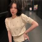 2021年新款女裝冰絲針織短袖設計感女小眾短款上衣女白色t恤女夏 果果輕時尚