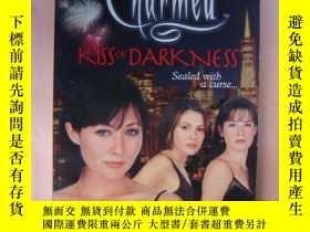 二手書博民逛書店Charmed--Kiss罕見of DarknessY85718