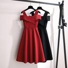 經典款紅色洋裝女夏季吊帶一字肩小個子穿搭...