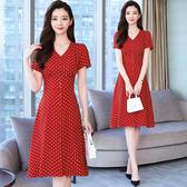 洋裝 輕熟風 淑女裙 赫本風紅色法式v領復古高腰a字雪紡波點連身裙女夏茶歇裙T105依佳衣