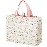 小禮堂 Hello Kitty 不織布購物袋 橫式方形 手提袋 環保袋 肩背袋  (粉米 滿版) 4973307-49741
