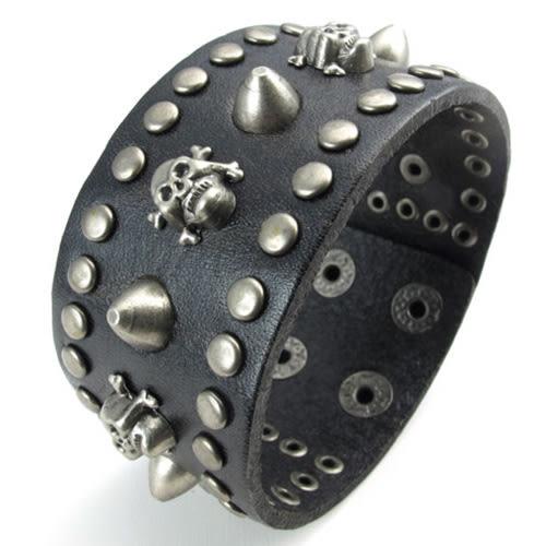 《 QBOX 》FASHION 飾品【W10022411】精緻個性復古寬版錨釘骷顱頭合金皮革手鍊/手環