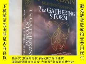 二手書博民逛書店The罕見Gathering Storm(16K 大厚本)--B