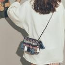 包包女新款韓國ins超火錬條斜斜背包原宿民族風帆布流蘇水桶包 黛尼時尚精品