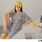 《AB15775-》長版圓領滿版印花造型打褶短袖上衣 OB嚴選