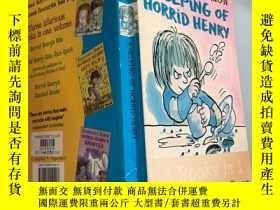 二手書博民逛書店A罕見HELPING OF HORRID HENRY 一幫可怕的亨利Y200392