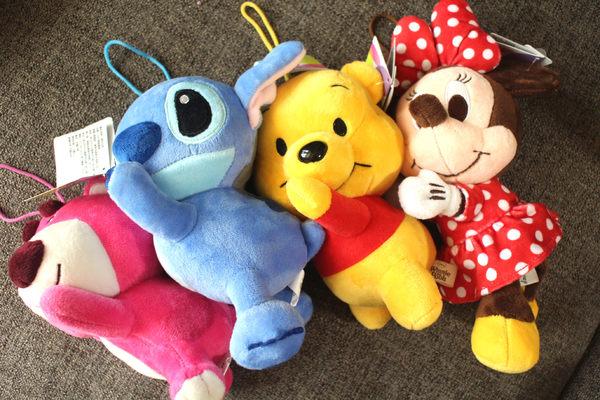 【卡漫城】 掛飾 玩偶 趴姿 20cm 三選一 ㊣版 小熊維尼 史迪奇 熊抱哥 絨毛娃娃 維尼熊 Pooh Stitch