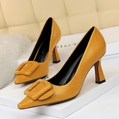 大尺碼女鞋34~43 2020年歐美風性感顯瘦蛇紋漆皮皮帶扣尖頭高跟鞋3色
