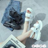 厚底涼鞋 鬆糕鞋女厚底涼鞋高跟百搭韓版學生一字扣坡跟羅馬鞋女【全館9折】