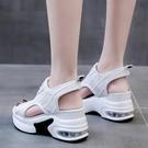 內增高厚底魚嘴涼鞋女士百搭2021年夏季新款松糕高跟坡跟運動時尚  【端午節特惠】