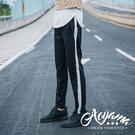 運動褲 潮流運動風單線寬條舒適彈力休閒褲【K5】青山AOYAMA