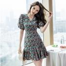 VK精品服飾 韓國風優雅氣質碎花V領顯瘦泡泡袖短袖洋裝
