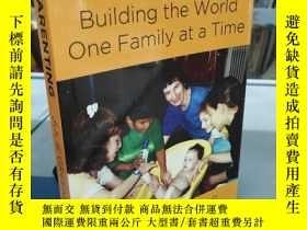 二手書博民逛書店Just罕見PARENTING Building the world one Family at a Time