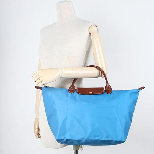 LONGCHAMP 短提把中型尼龍摺疊水餃包(蔚藍色-含帕巾)480101-807