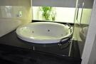 【麗室衛浴】英國ICI KERAMIN 時尚簡約 多樣化  壓克力   造型按摩缸  正圓180cm