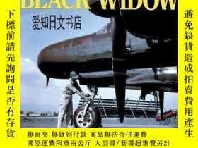 二手書博民逛書店【罕見】1997年出版 Northrop P-61 Black Widow: The Complete Histo