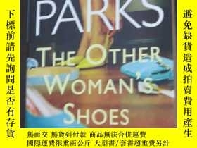二手書博民逛書店The罕見Other Woman's ShoesY19725 A
