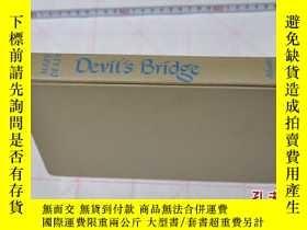 二手書博民逛書店1952年,英文原版,精裝毛邊小說,devil s罕見bridg