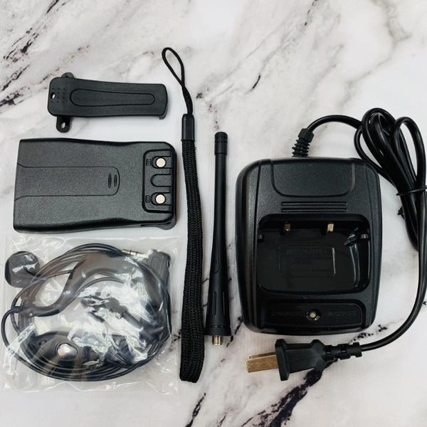 HL888S 無線電對講機配件-電池 充電座 強強滾