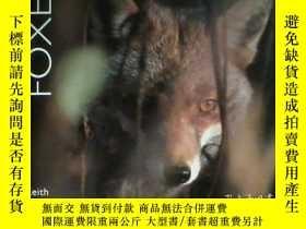 二手書博民逛書店Foxes罕見(Worldlife Library)Y36213