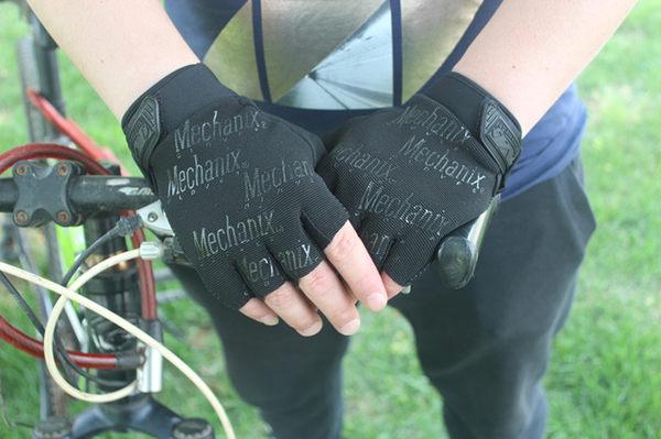 運動鬼爪半指時尚手套