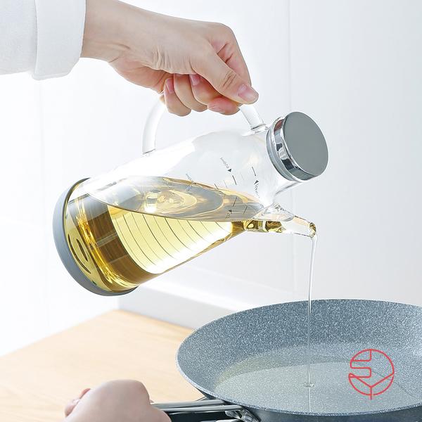 【日本霜山】高透耐熱防漏不鏽鋼蓋玻璃油壺-750ml(餐廚 油罐 調味料 冷藏 杯壺 沙拉油 橄欖油)