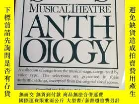 二手書博民逛書店The罕見Singer s Musical Theatre An