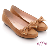 effie 俏麗悠活 真皮蝴蝶結金屬楔型低跟鞋 卡其