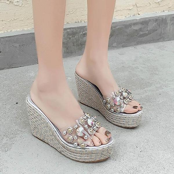 楔型鞋 沙灘鞋 歐美舒適厚底坡跟涼拖鞋水鉆鉚釘透明高跟女拖鞋