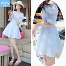 【V2479】shiny藍格子-清新甜心.條紋吊帶露肩收腰短袖洋裝